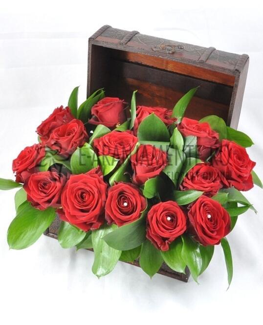 Cufar 15 Trandafiri Rosii