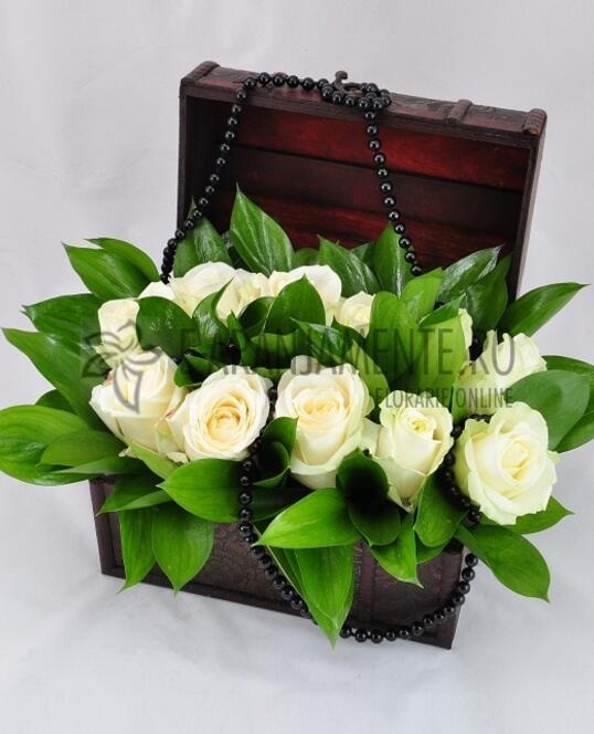 Cufar 11 Trandafiri Albi