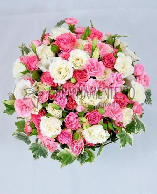 Platou cu Flori Roz si Albe