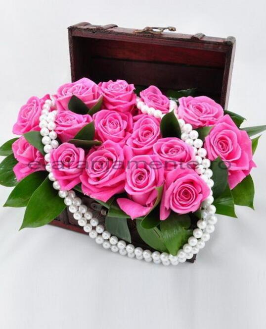 Cufar 15 Trandafiri Roz