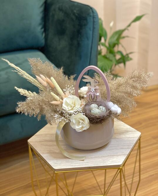 For a cozy Easter table
